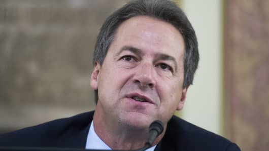 Montana Gov. Steve Bullock (D) attends a meeting of the Board of Land Commissioners in the State Capitol building in Helena on August 20, 2018.