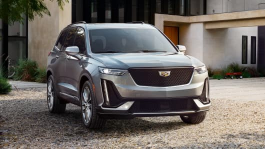 Cadillac Debuts Three Row Crossover Xt6 To Lure Luxury Buyers