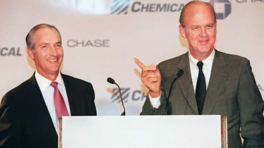 NEW YORK, NY - AUGUST 28:  Chase Manhattan's Thomas G. Labrecque (L) and Chemical Bank's Walter V. Shipley announce the merger of their two banks at a press conference 28 August in New York.