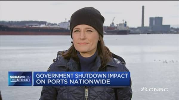 Freight, port delays a concern during government shutdown