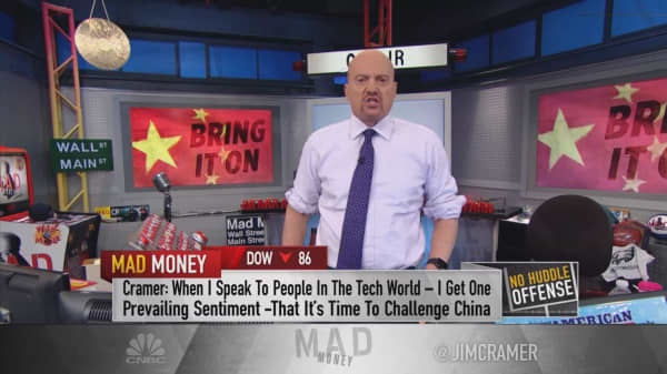 Tech execs are telling Cramer behind closed doors that they support hardline China policy