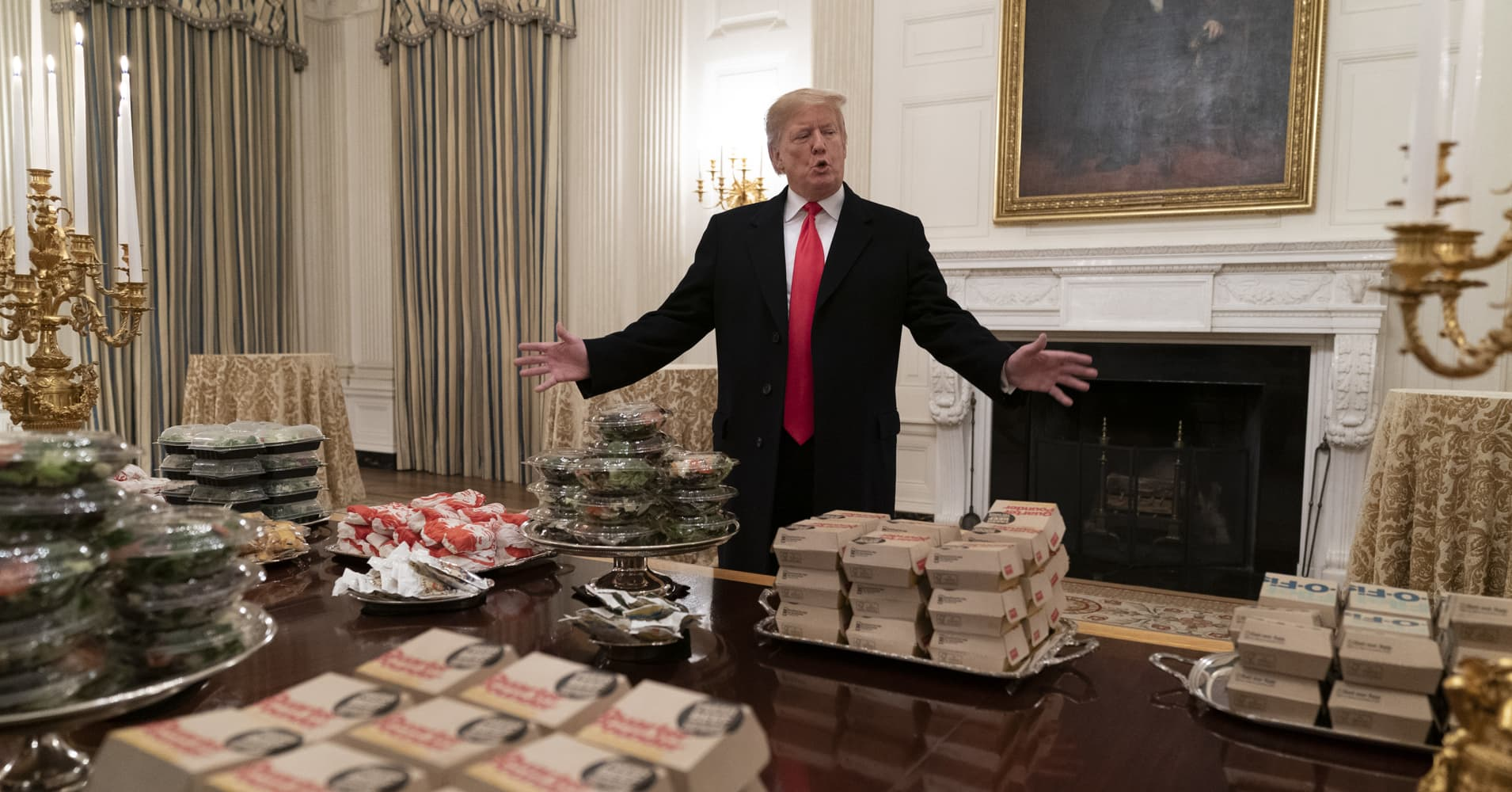Trump's getting trolled for Clemson fast food dinner, but Warren Buffett and others are big fans of junk food too