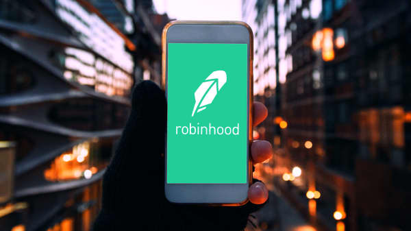 Can the Robinhood app live up to the legend?