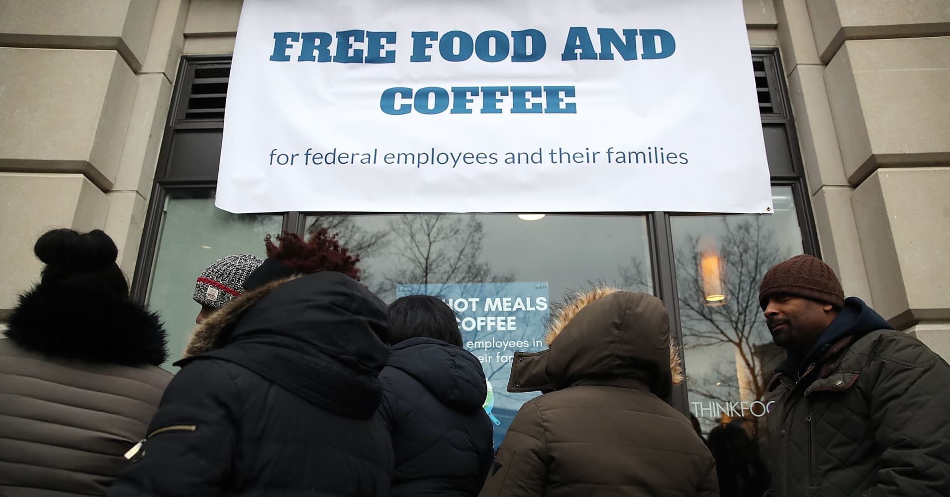 1,800 GoFundMe pages pop up to help federal workers hit by shutdown make ends meet