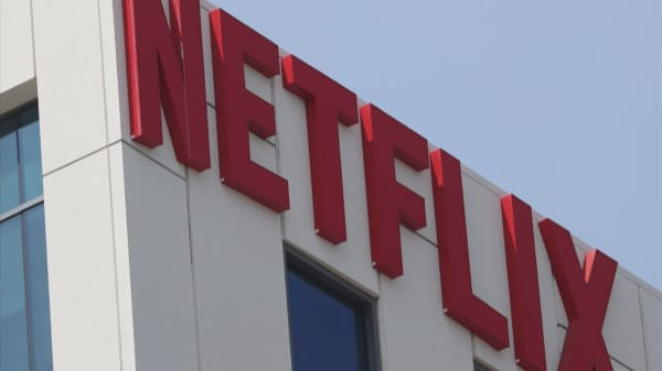 Netflix beat on earnings, but missed on revenues — Here's what three experts say to watch now