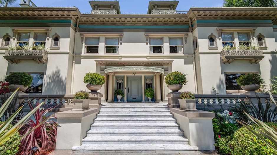Take a look inside the $17 million L.A. mansion where Muhammad Ali lived