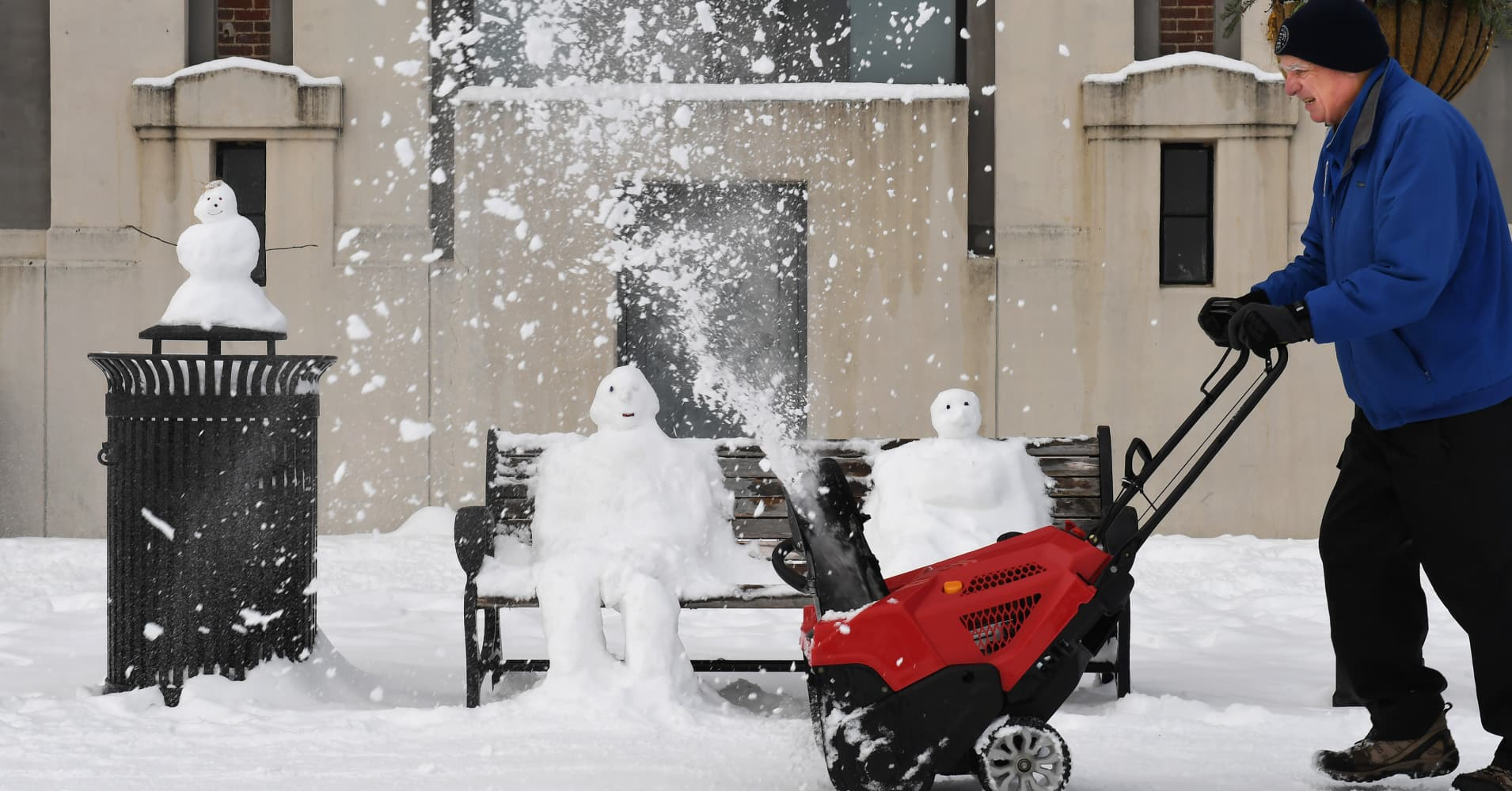 Weekend winter storm sweeping from Midwest to New England