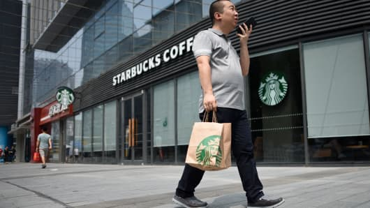 Starbucks rolls out a delivery service for coffee drinkers