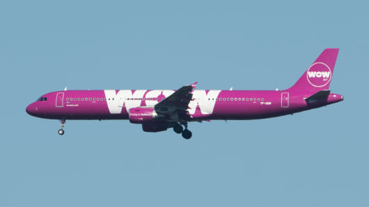 WOW Airlines plane approaching Frankfurt Airport.