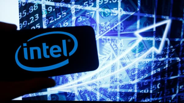 Intel was lagging in the cloud computing space, analyst says