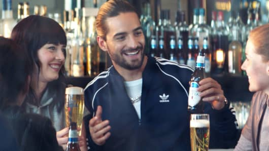 Michelob Ultra targets Latino audience with Super Bowl ad 50f972241
