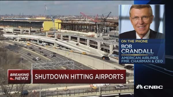 Bob Crandall: Government has 'violated contract' with air traffic controllers by not paying them