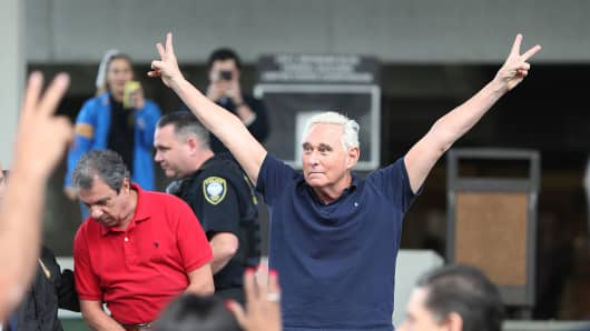 Roger Stone, a former advisor to President Donald Trump, exits the Federal Courthouse on January 25, 2019 in Fort Lauderdale, Florida. Mr. Stone was charged by special counsel Robert Mueller of obstruction, giving false statements and witness tampering. (Photo by Joe Raedle/Getty Images)