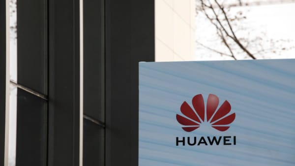 DOJ charges Huawei with fraud, seeks extradition of CFO