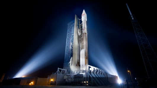 The Atlas V 431 rocket rolled out to the SLC-41 pad December 17 in preparation for the EchoStar XIX satellite launch December 18.