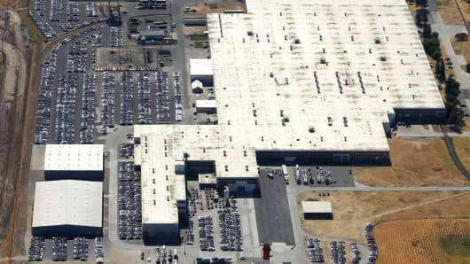 Aerial photo of a Tesla distribution and manufacturing facility taken by a contributor to tslaq.org.