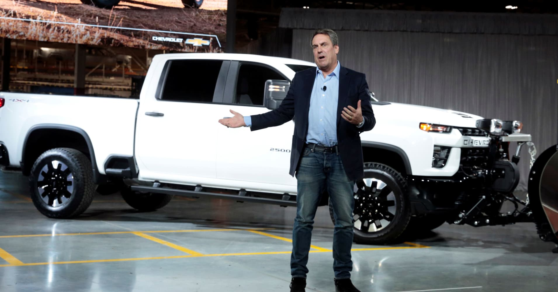 GM unveils Chevy Silverado HD as Detroit's Big 3 battle for big profits in big pickups