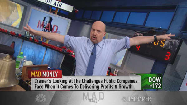 Cramer: Why companies like Alphabet get 'little to no credit' for their massive cash piles