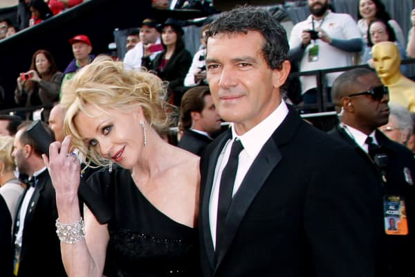 Actors Melanie Griffith (L) and Antonio Banderas arrive at the 84th Annual Academy Awards held at Hollywood & Highland Centre on February 26, 2012 in Hollywood, California.