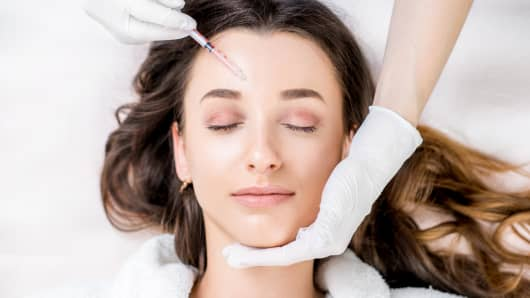 Cosmetic botox injection