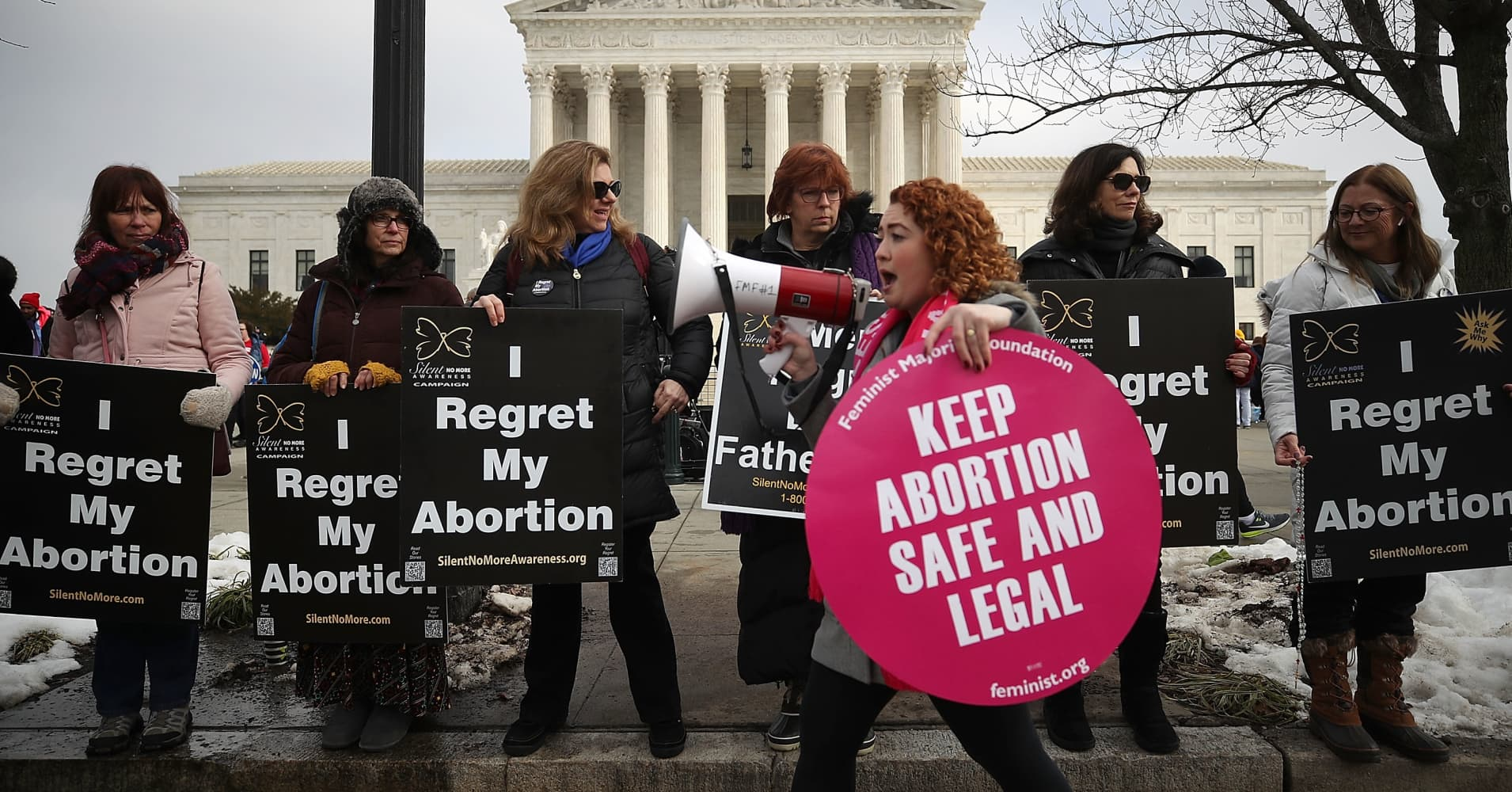 US Supreme Court blocks strict Louisiana abortion law