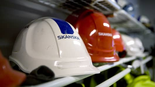 Skanska shares drop on builder's surprise first-quarter profit drop