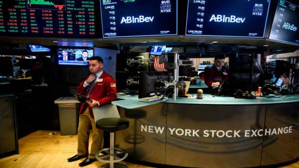 Market set for lower open amid global slowdown fears