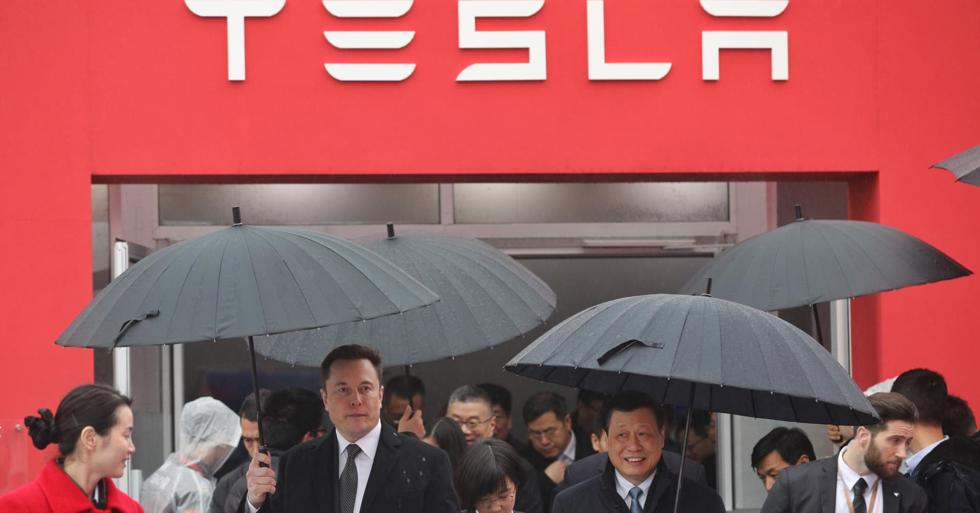 Tesla boss Elon Musk (L) walks with Shanghai Mayor Ying Yong during the ground-breaking ceremony for a Tesla factory in Shanghai on January 7, 2019. - Musk presided over the ground-breaking for a Shanghai factory that will allow the electric-car manufacturer to dodge the China-US tariff crossfire and sell directly to the world's biggest market for 'green' vehicles. (Photo by STR / AFP) / China OUT (Photo credit should read STR/AFP/Getty Images)