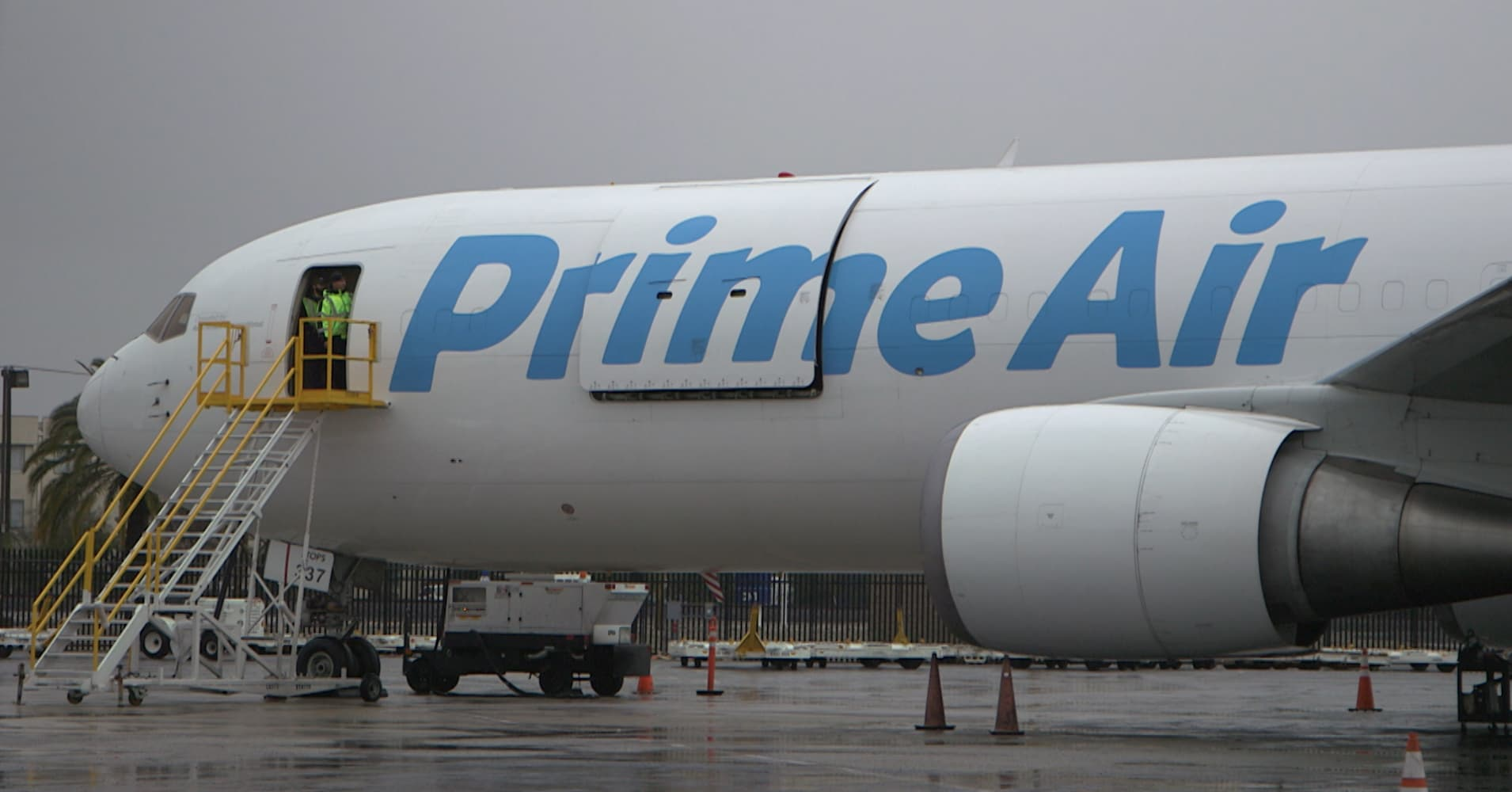Amazon is Rapidly Expanding its Air Fleet to Handle More Shipping, but FedEx Isn't Worried