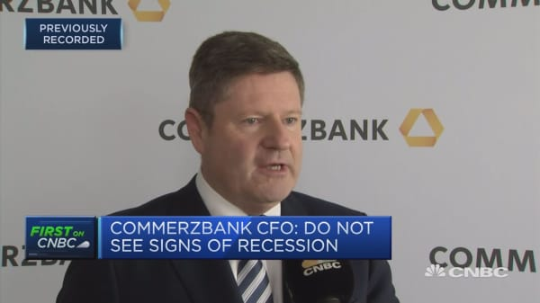 Commerzbank still cutting 9,600 jobs, CFO says