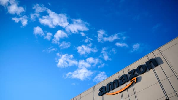 Amazon to proceed with Virginia, Tennessee plans, won't reopen HQ2 search