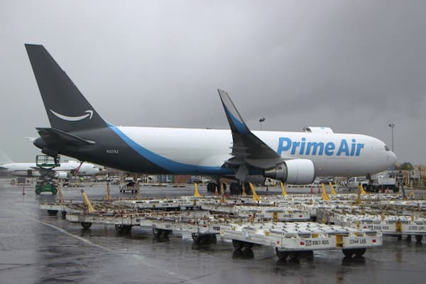 From planes to vans, Amazon is rapidly expanding into shipping