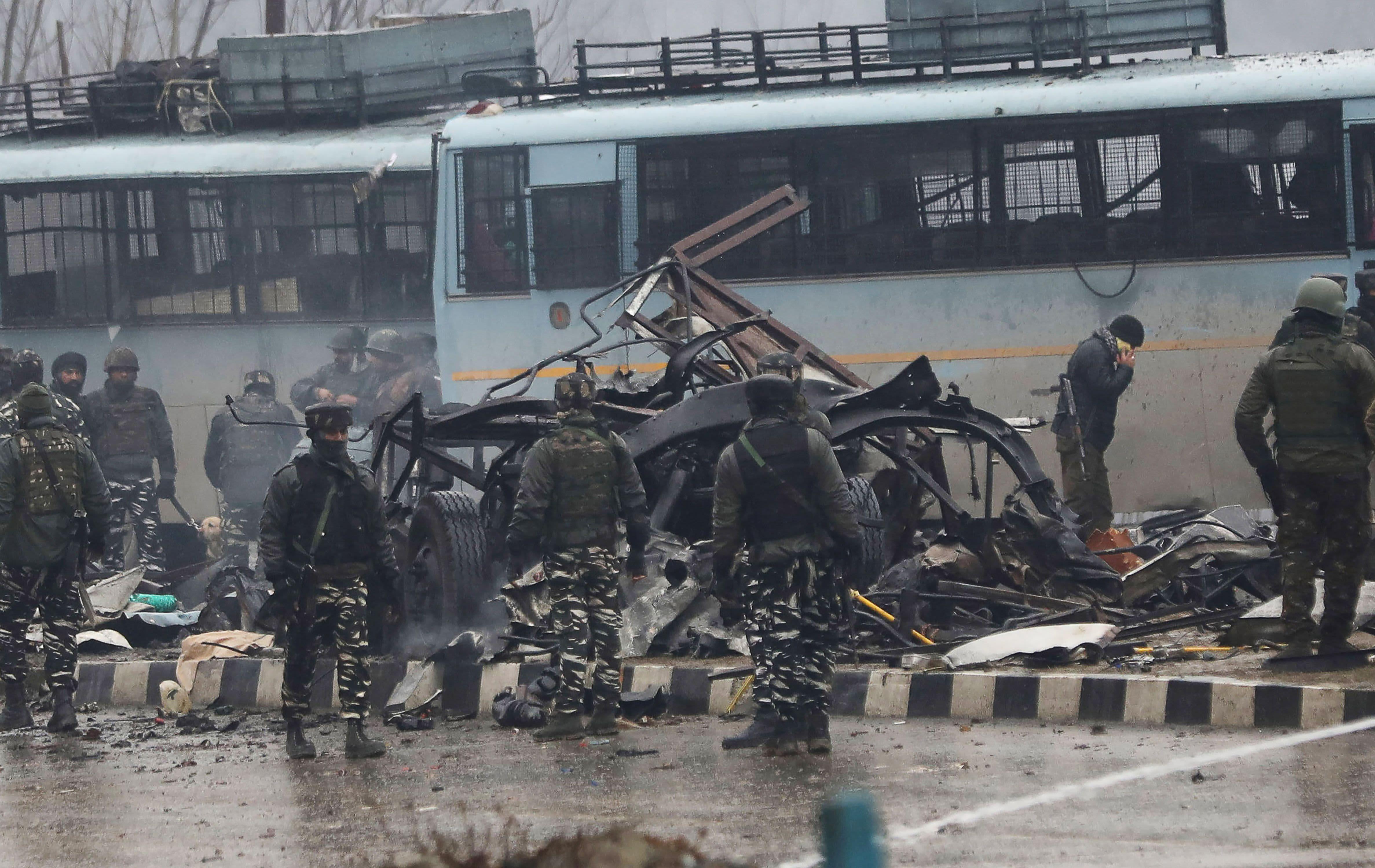 kashmir bomb kills 44; india demands pakistan act against militants