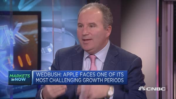 Apple's biggest mistake was not buying Netflix, strategist says