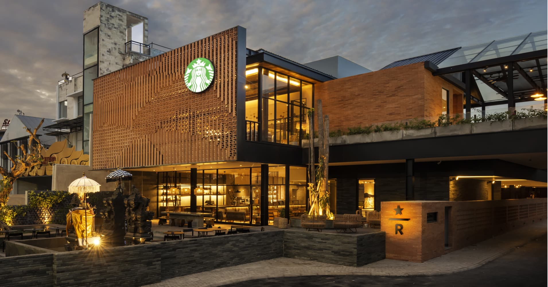Bali's new Starbucks flagship store has its own coffee farm and valet parking
