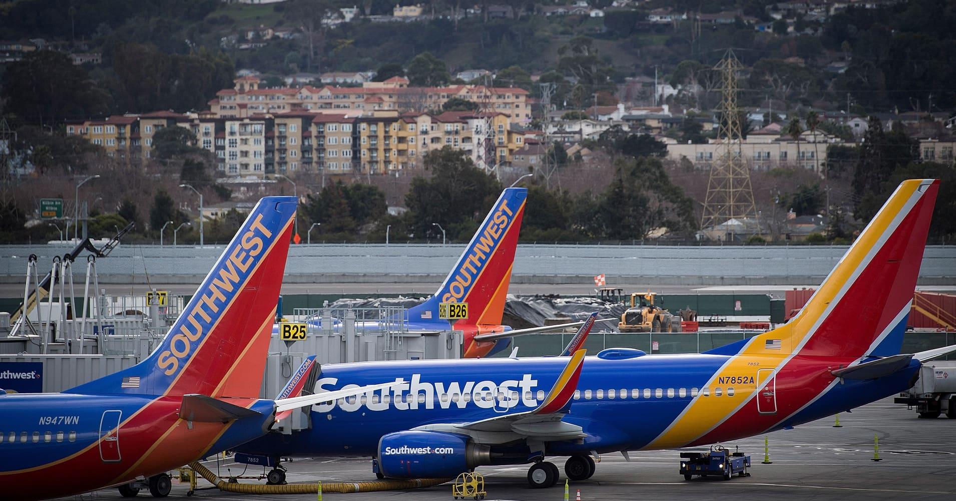 Southwest and its mechanics reach a tentative deal in labor dispute