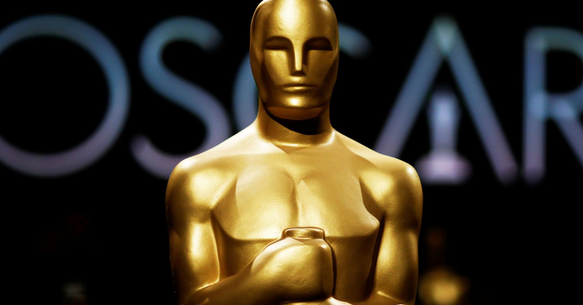 Netflix, streaming services win Oscars cinema rule battle
