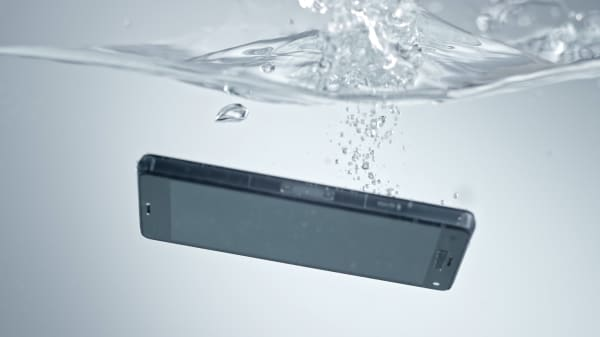 A comprehensive look at whether or not your phone is waterproof