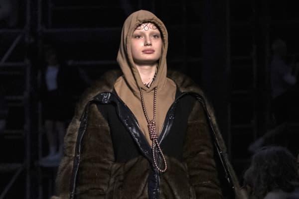 da63b3e478f5 Fashion label Burberry apologizes for  suicide  hoodie