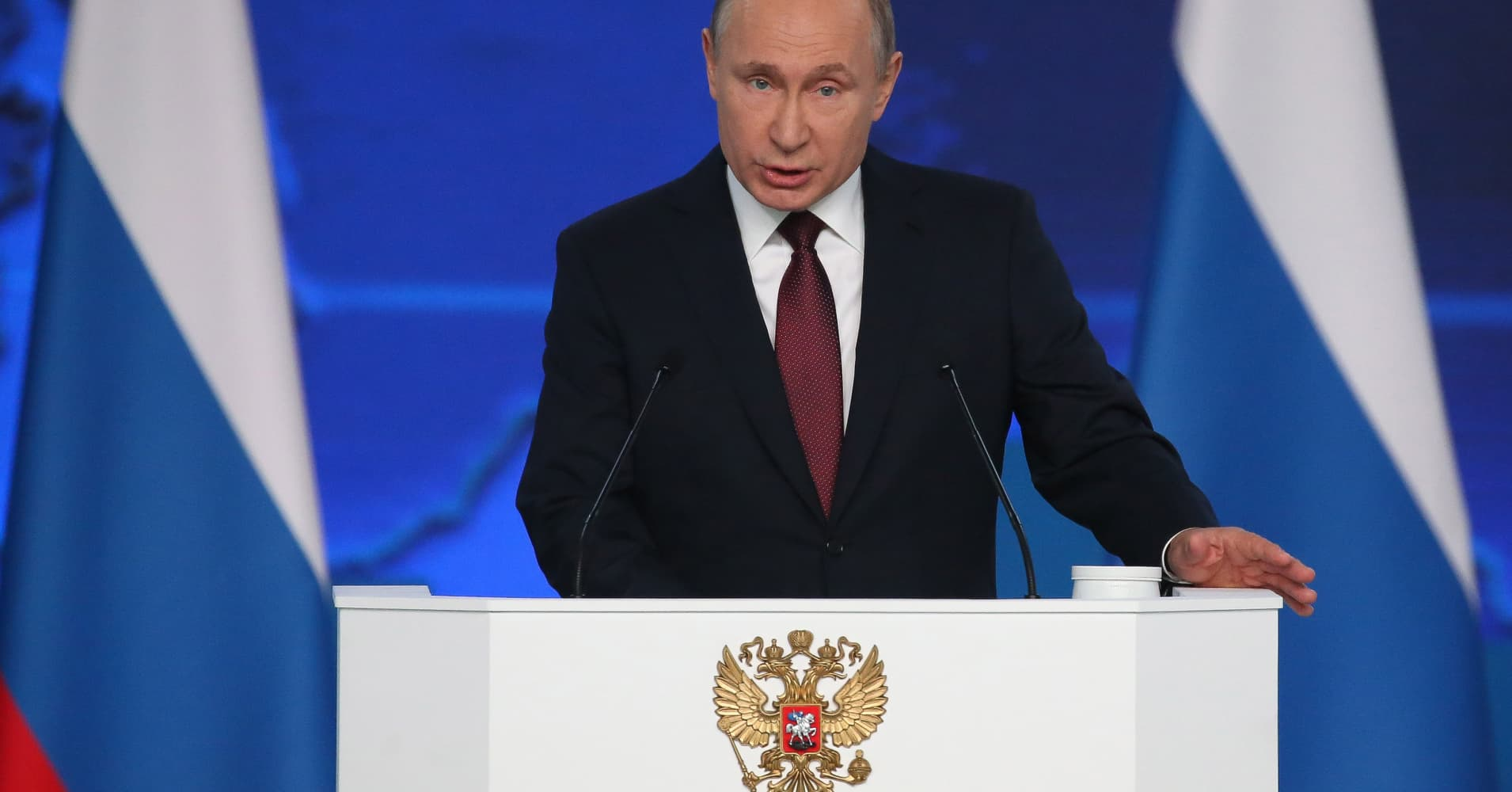 Putin threatens to target US if it deploys missiles in nearby European countries