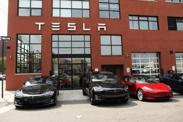 Tesla general counsel leaves after 2 months on the job