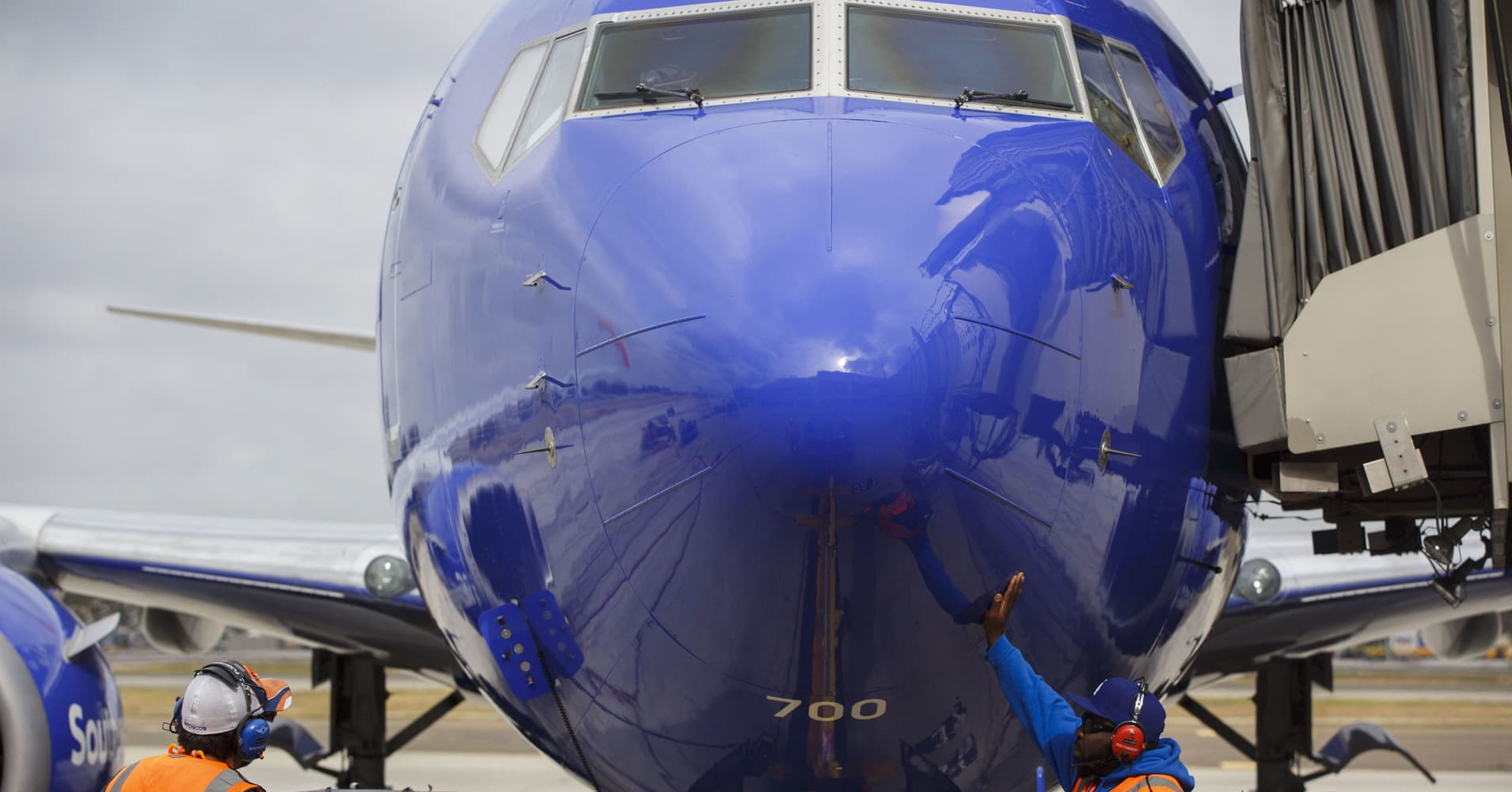 Southwest feuds with mechanics' union over 'unprecedented' number of out-of-service planes