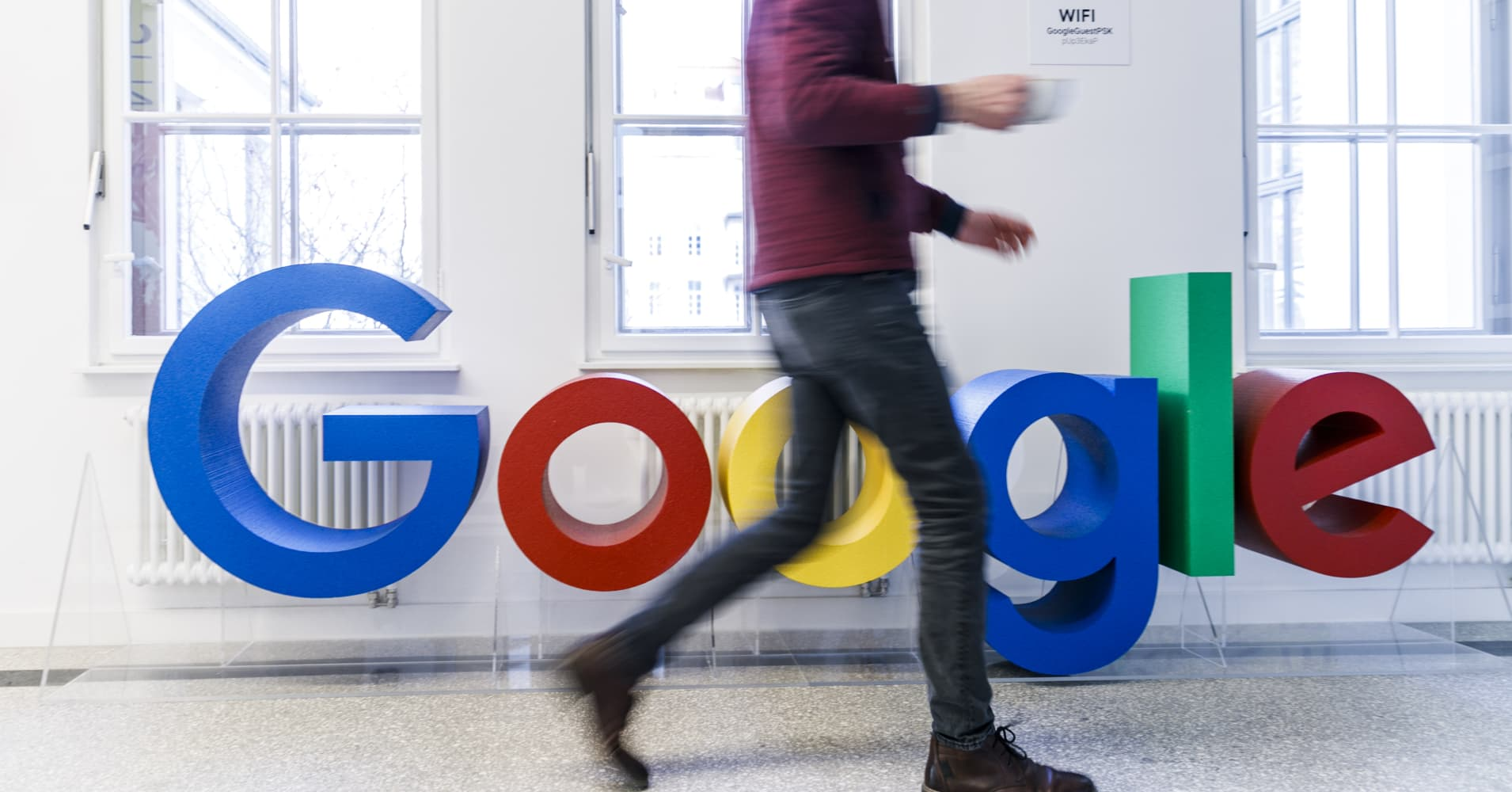 Google plans to ban political ads before Canada election