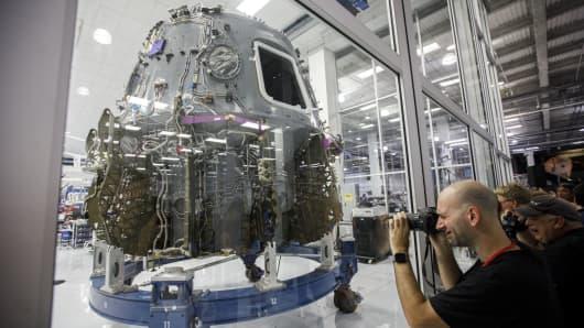 SpaceX, Boeing design risks threaten new delays for US space program