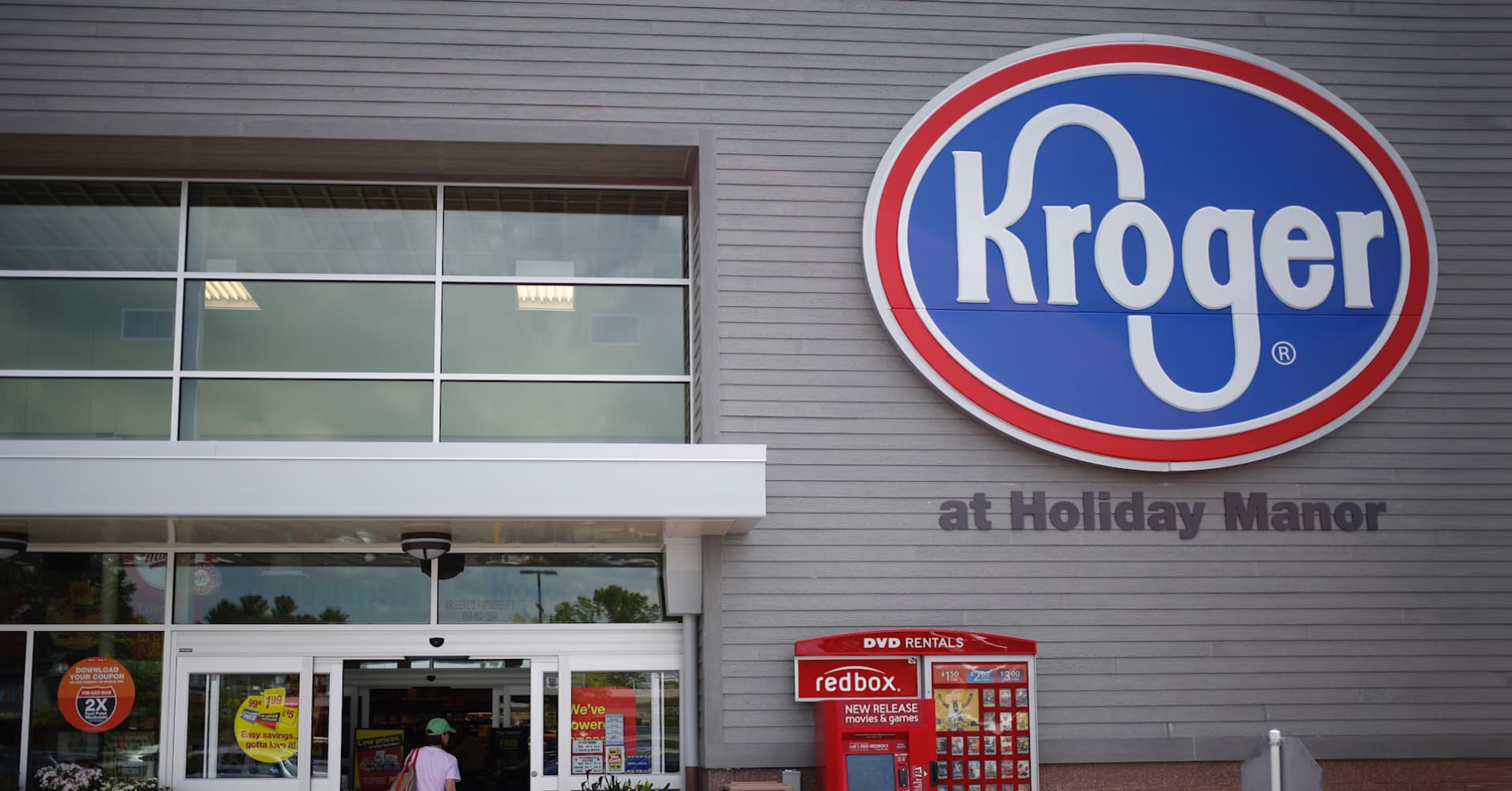 Kroger Christmas Hours 2019.How America S Biggest Grocer Is Fighting Back Against Amazon And Walmart
