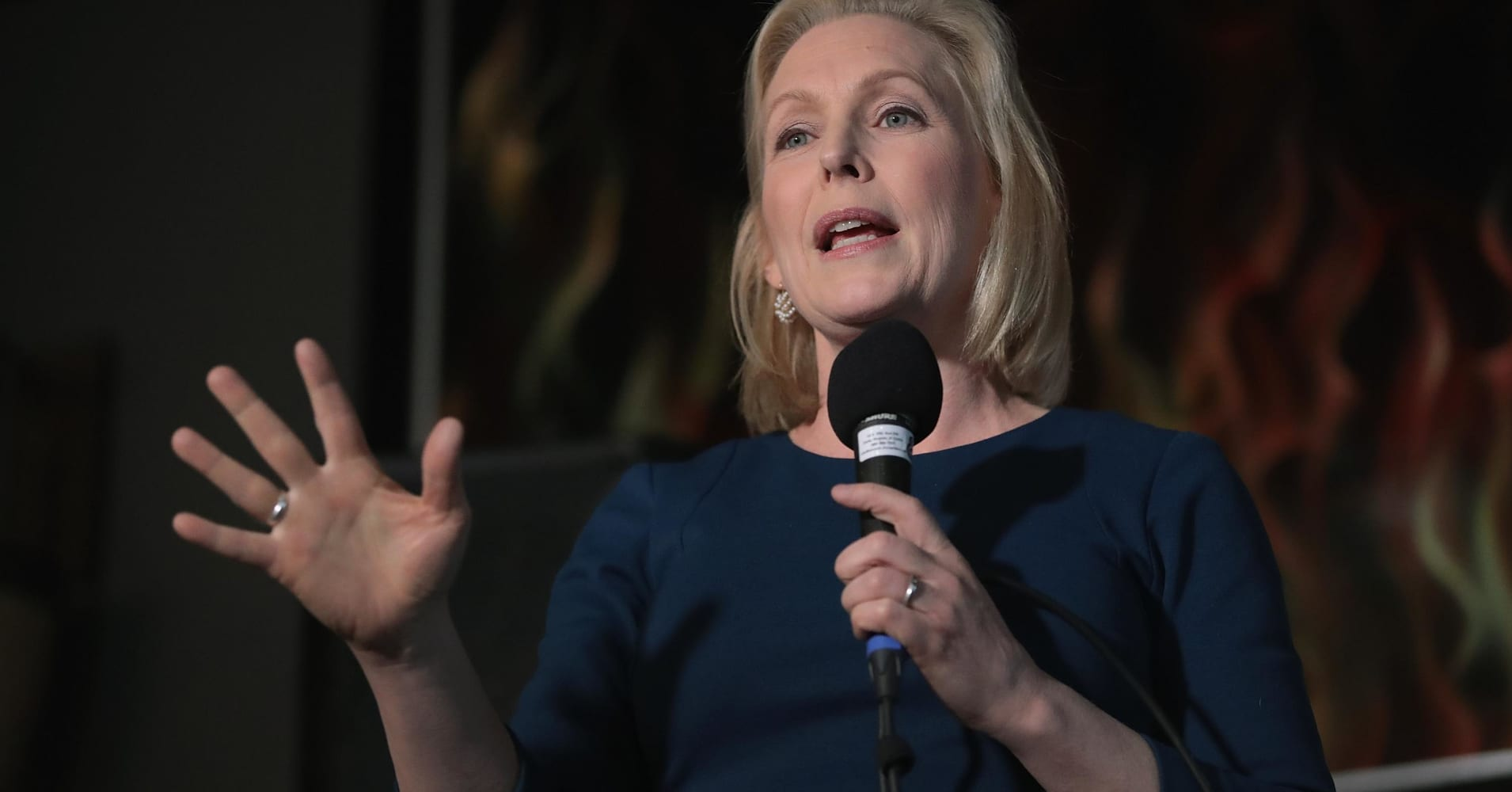 Pfizer exec Sally Susman to host presidential fundraiser for Democrat Kirsten Gillibrand