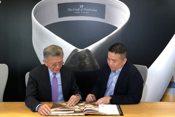 Dr. Harry Lee Nai-shee (Left), Chairman, and Roger Lee Kwo-chuan (Right), Chief Executive Officer, of TAL Group.