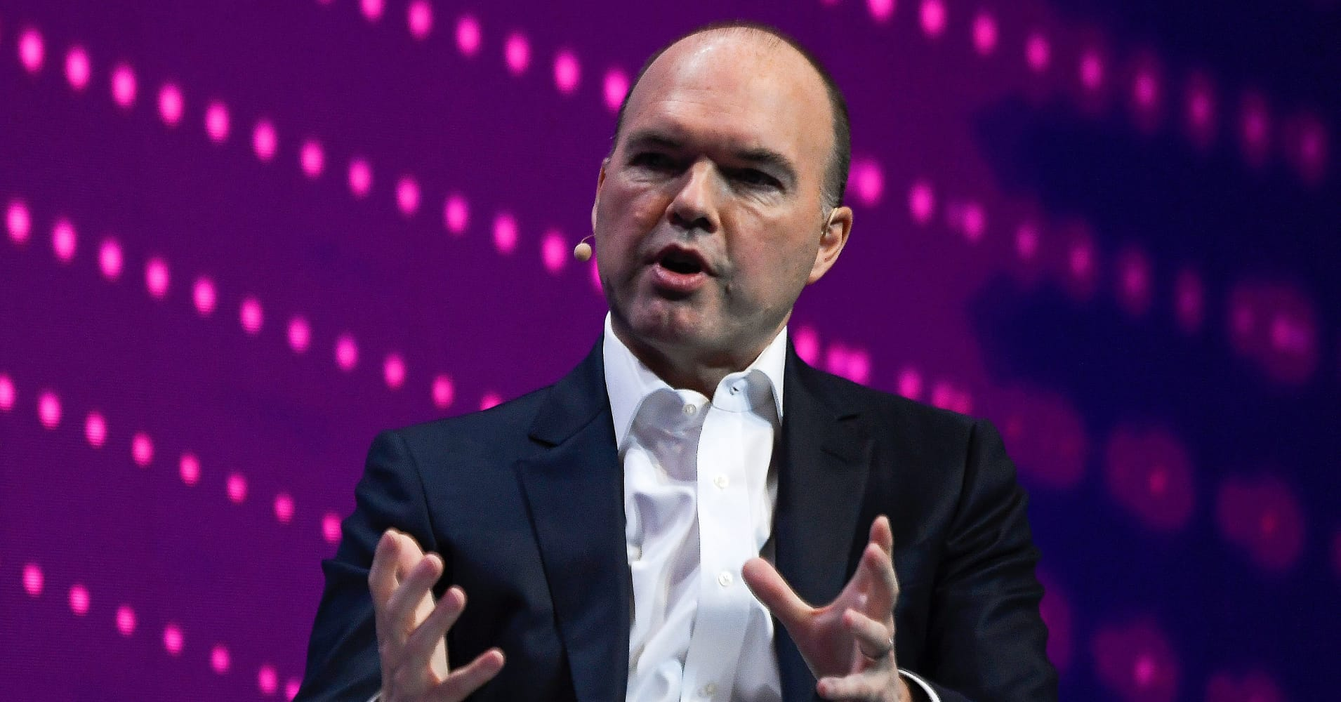 Vodafone CEO says banning Huawei could set Europe's 5G rollout back another two years