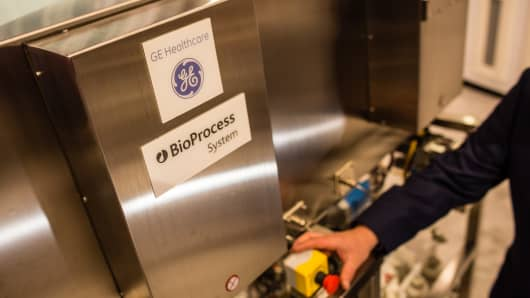 A GE Healthcare Ltd. BioProcess machine stands on display during the International Pharmaceutical Expo (Interphex) in New York.