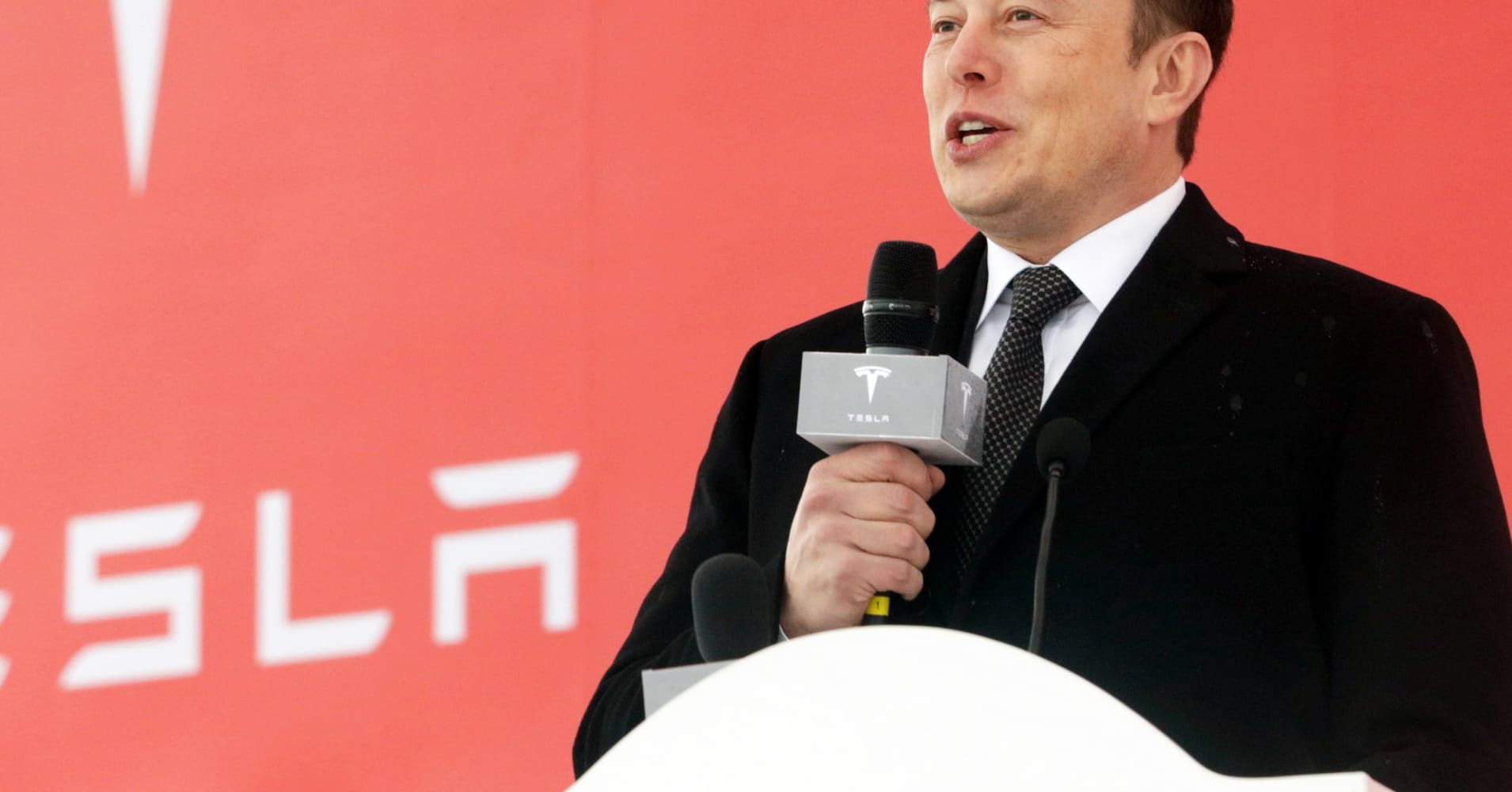 Elon Musk: Self-driving Teslas are going to make their owners money by competing with Uber, Lyft
